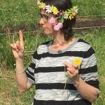 fata Clarafilla ci spiega che dai semi poi nascerà il fiore!